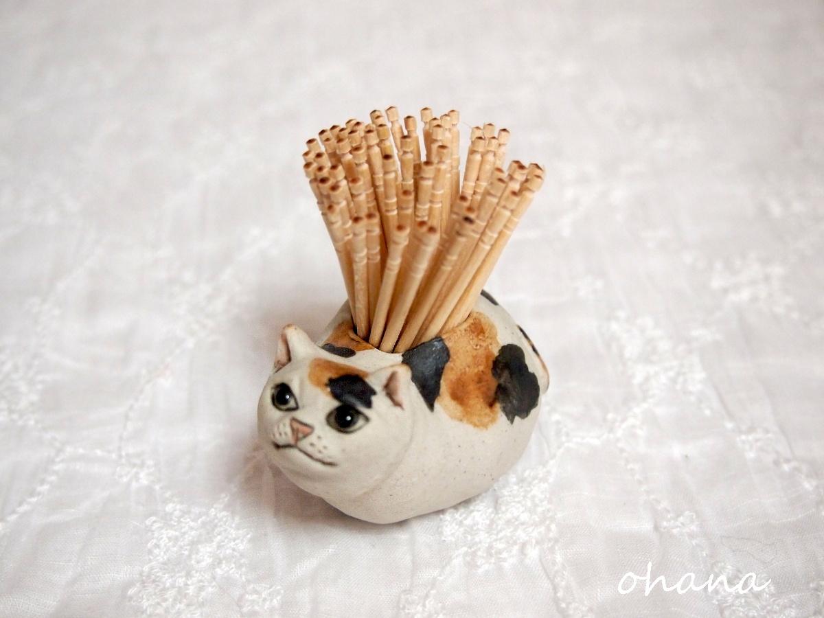 猫の爪楊枝入れ